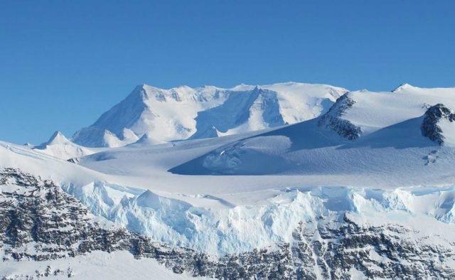 Появились новые данные о базе Гитлера в Антарктиде. Фото