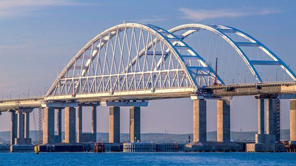 «Сколько можно быть такими наивными мечтателями?»: политолог развеял «мечты» украинцев о Крымском мосте