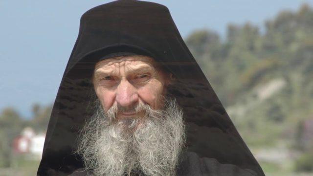Третья мировая на пороге, украинский старец ошеломил предсказанием: «Спасется лишь…»