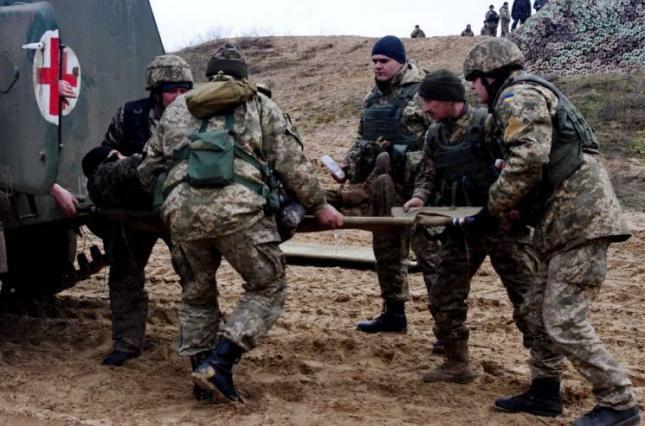 Важкопоранені військові отримають премії від командувача сухопутних військ ЗСУ.