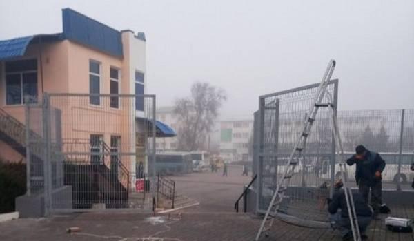 «Будем выходить в город по расписанию»: жители Крыма в шоке от выходки оккупантов