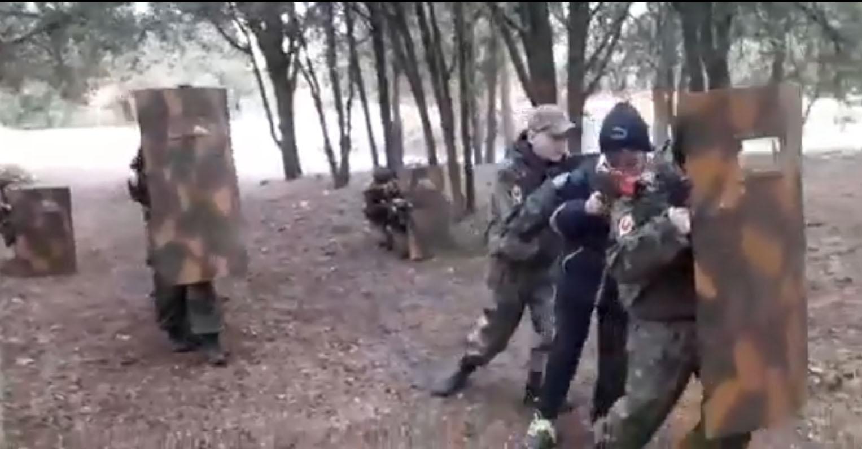 Дети в Крыму учатся воевать и выполнять приказы оккупантов. ВИДЕО