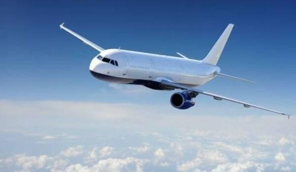 Пасажирський літак з 83 людьми на борту розбився в Афганістані