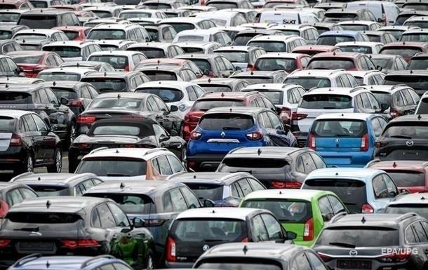 Украинцы ринулись скупать б/у авто
