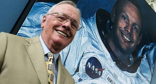 «Инопланетяне прятались на Луне»: Американский астронавт Нил Армстронг скрыл видеозапись во время экспедиции Аполлон-11