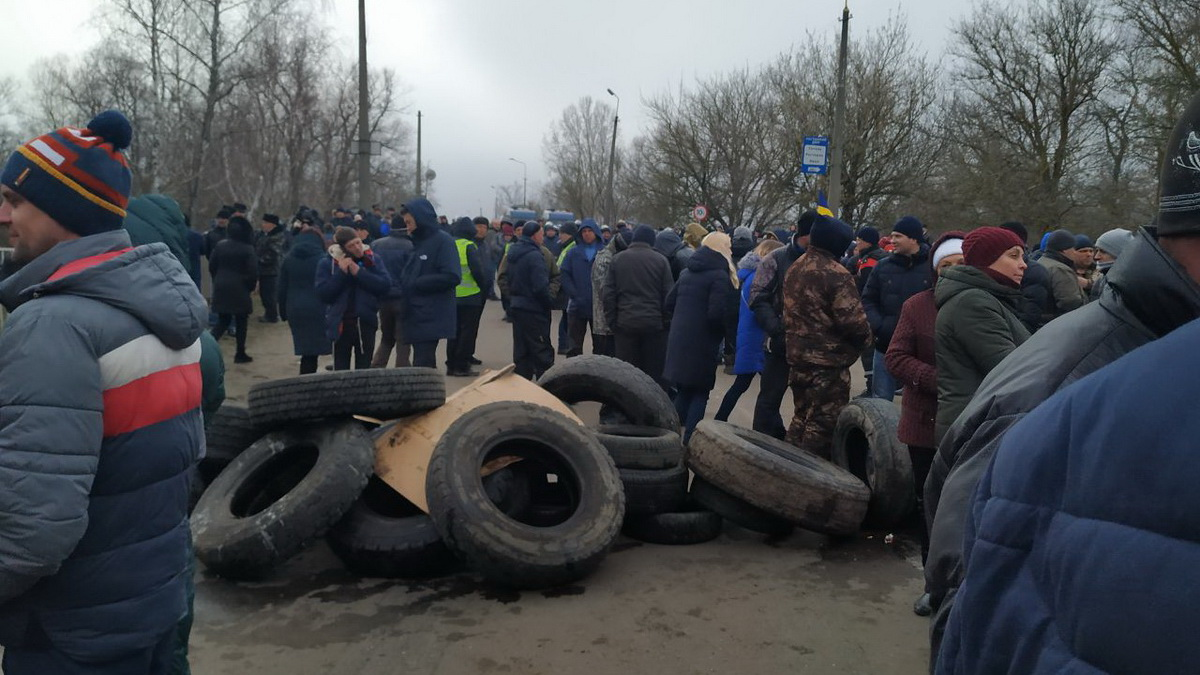 Министр МВД намекнул, кто может стоять за беспорядками в Новых Санжарах