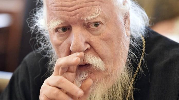 Протоиерей РПЦ отнес гражданских жен к «бесплатным проституткам»