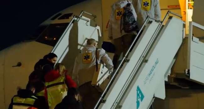 Телеведущая о встрече эвакуированных: медики отказываются лечить, политики жалуются на месть, население перекрывает дороги