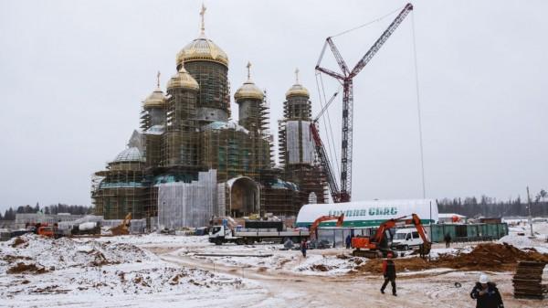 В главном храме Вооружённых сил России будут портреты отца Путина, деда Зеленского и сам Зеленский