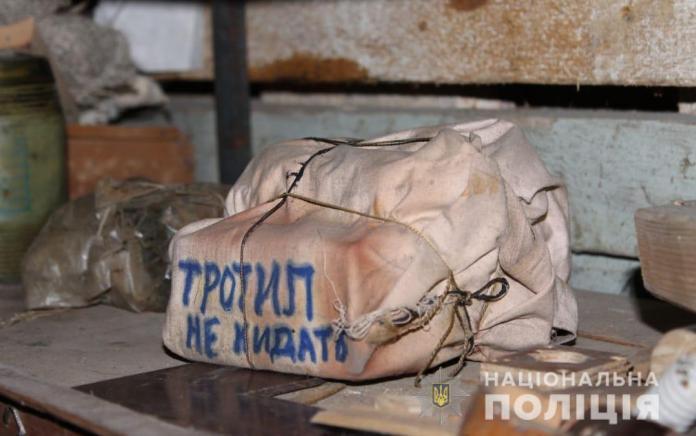 В жилой многоэтажке на Киевщине нашли взрывчатку: полиция провела эвакуацию. ФОТО