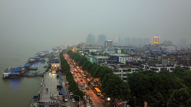 Китай победил коронавирус: сняты ограничения на въезд и выезд из Уханя, ставшего эпицентром вспышки