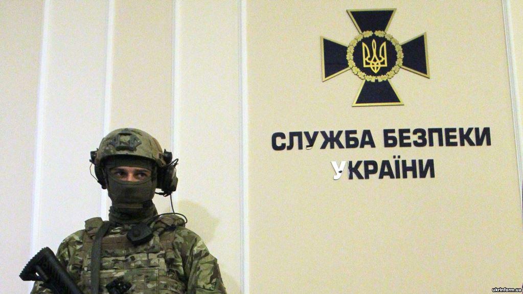 У Луганську терористи успішно вербують чиновників, які приїхали «в особистих справах» з України