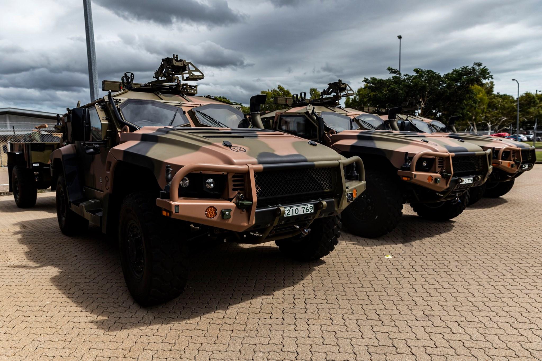 Армія Австралії отримала перші серійні легкі броньовані машини Hawkei