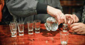 Алкоголь и коронавирус: вымыслы и факты
