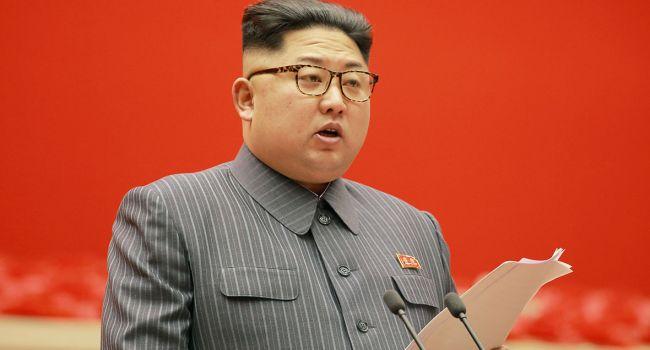 После операции: СМИ сообщили об ухудшении состояния Ким Чен Ына