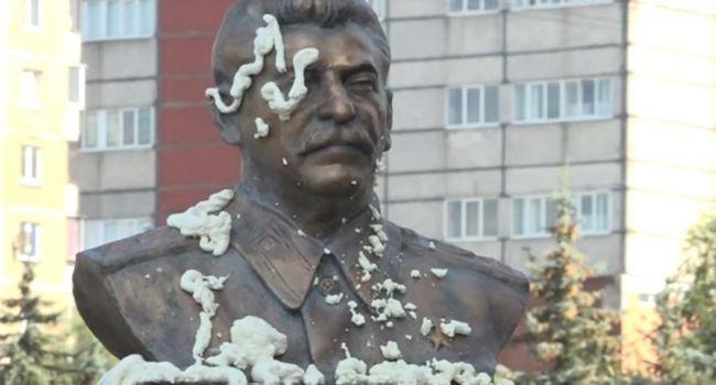 «Соскучились за Сталиным»: Боевики в Донецке хотят восстановить памятник «Вождю народов»