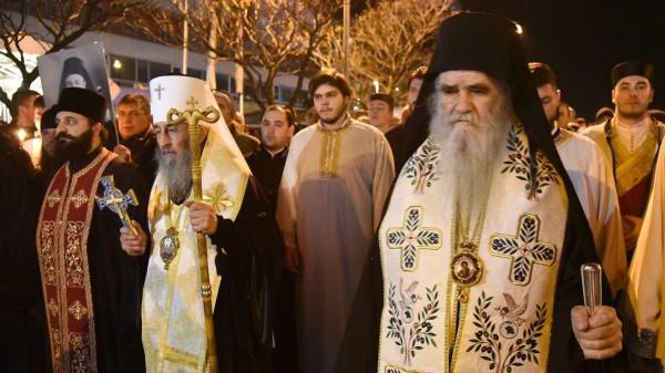 В Черногории во время воскресной литургии полиция задержала митрополита Амфилохия