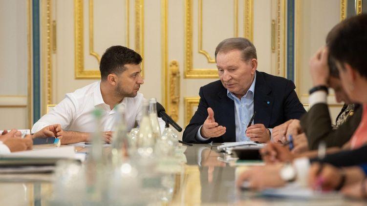 Зеленський визнав легітимність бойовиків як сторони переговорів