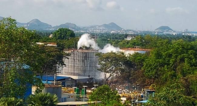 Падали замертво на улицах: в Индии произошло массовое отравление токсичным газом