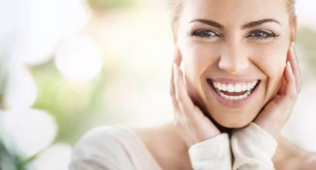 Помогут против налета: стоматологи назвали лучшую альтернативу зубной щетке