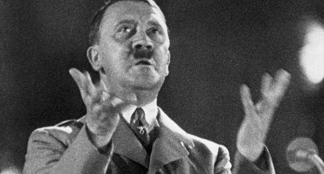 «В 1942 году отправился на фронт, воевал под Курском и под Москвой»: в РФ Адольфа Гитлера назвали ветераном Второй мировой войны