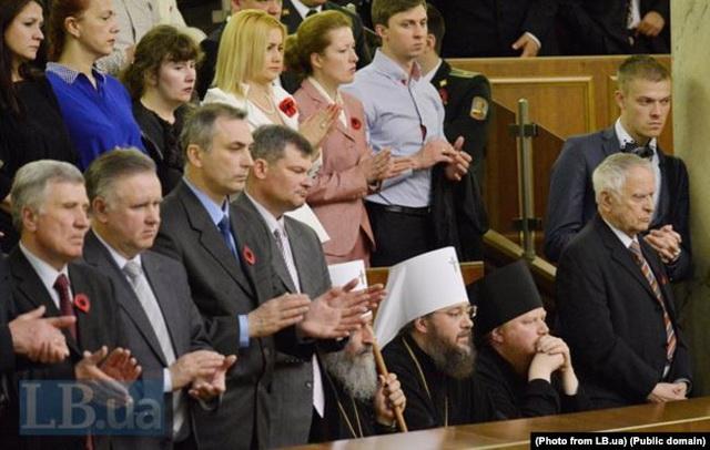 Як УПЦ МП просуває в Україні російську політику пам'яті