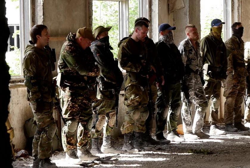 Как Россия стала тренировочным лагерем боевиков-неонацистов для Донбасса и дестабилизации ЕС