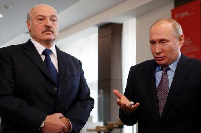 Лукашенко тонко отомстил Путину на параде в Москве