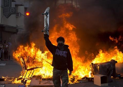 Москва не просто поддерживает, но и провоцирует массовые беспорядки в США