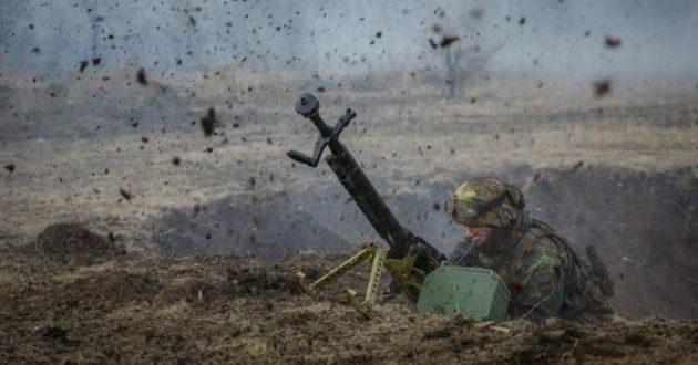 На фронте бойцы за сутки отбили 28 атак: есть раненые
