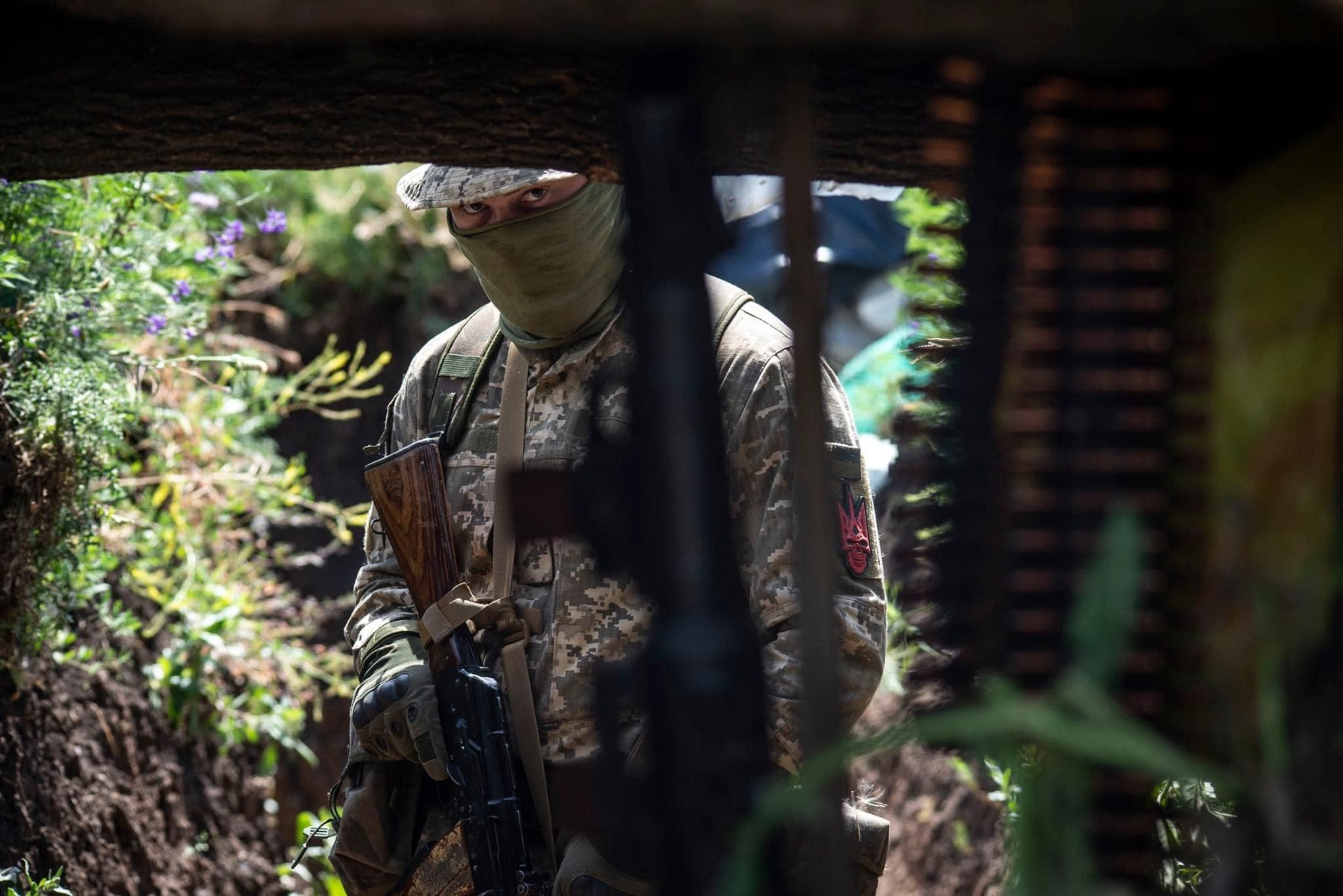 Емісари Зеленського в тристоронньої контактній групі, радісно залишили українську армію без першого ангела.