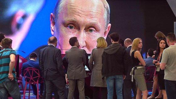 В России констатировали падение экономики почти на 10 процентов