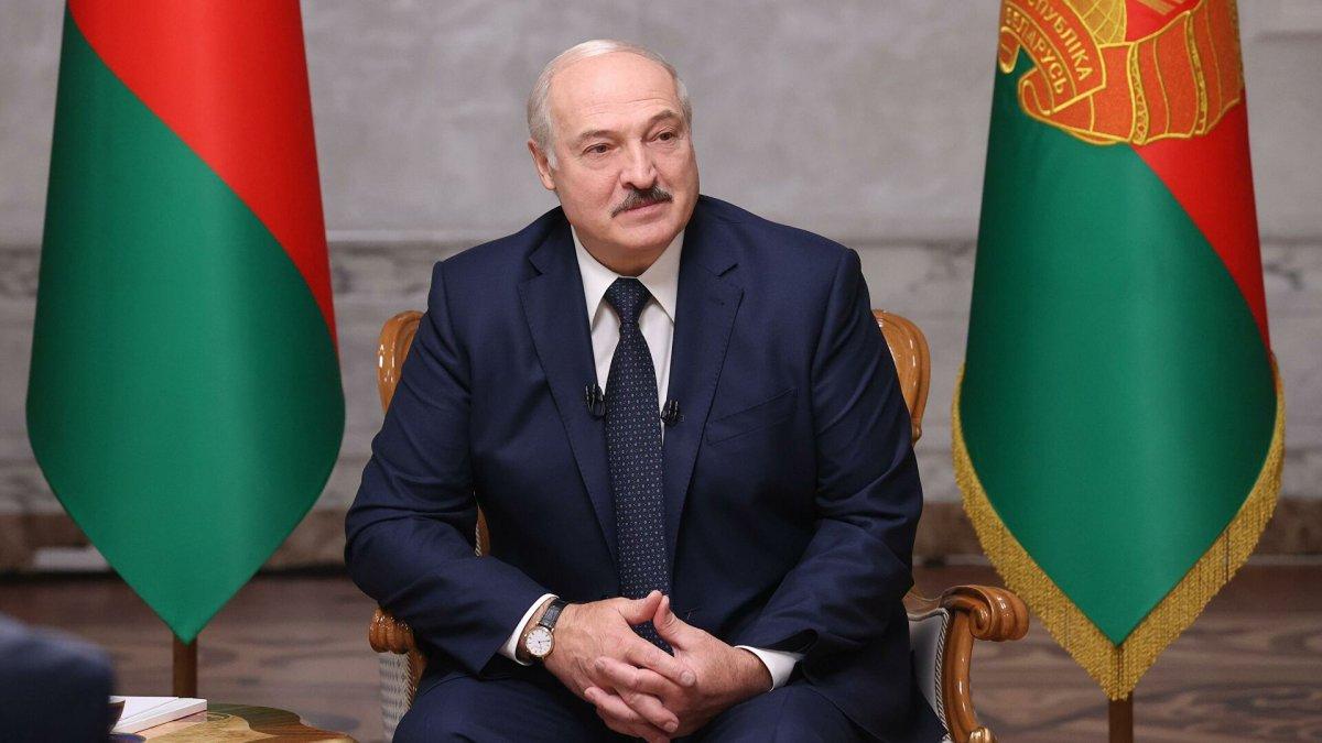 """""""Просто так не уйду"""": Лукашенко заявил, что не намерен отказываться от власти"""