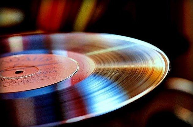 Такого не было с 1986 года: винил стал продаваться лучше, чем компакт-диски