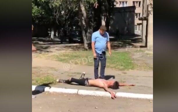 В Одесі неадекватний підліток з незрозумілих причин напав на викладача.