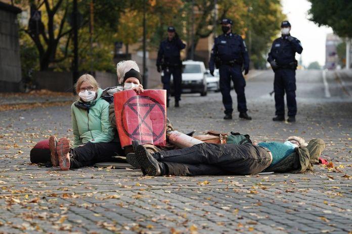 Финская полиция с помощью слезоточивого газа разогнала мирную демонстрацию