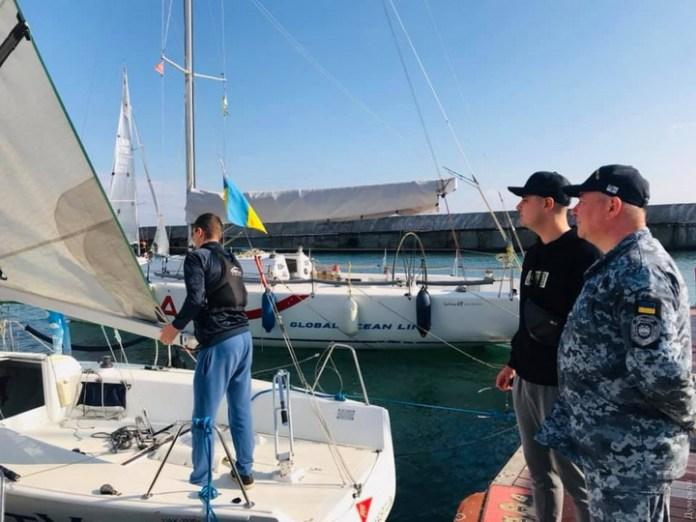 Курсанты института ВМС провели регату в честь столетнего морпеха. ФОТО