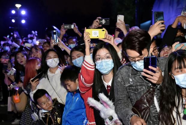 """""""Секретне щеплення"""": Українці з міста Ухань розповіли, чому в Китаї перестали хворіти на коронавірус"""
