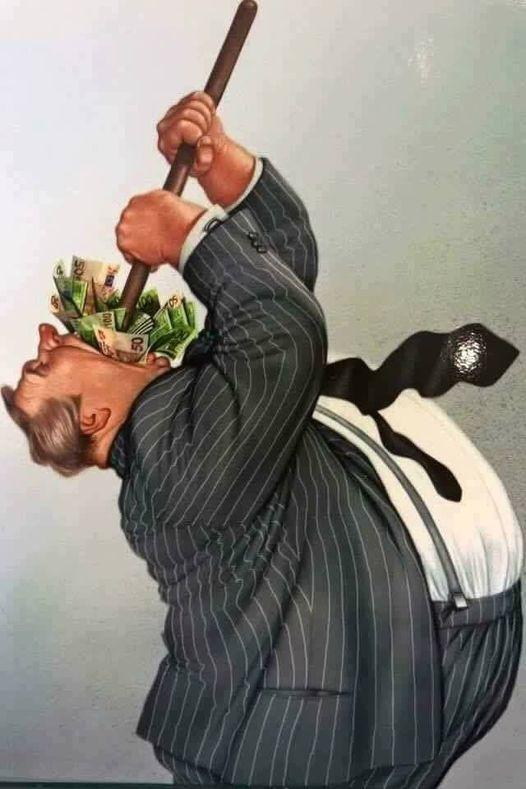 Це аморально! Зарплата суддів КС в середньому 335 тисяч. Не в рік, в місяць. Ніде в цивілізованому світі немає такого розриву в бюджетних зарплатах.