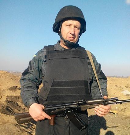 """Це – Олександр Чопенко, командир відділення кулеметного взводу. Його життя забрав ворожий снайпер. У нього чотири доньки і син, який воював пліч-о-пліч з батьком. Пам""""ятаємо."""
