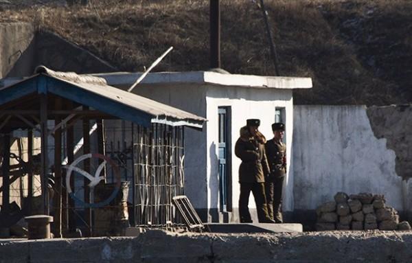 А в КНДР за нарушение карантина расстреливают