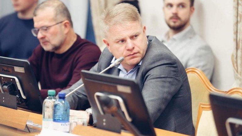 Жити нема на що: нардеп задекларував 158 квартир в Києві і 150 мільйонів готівкою