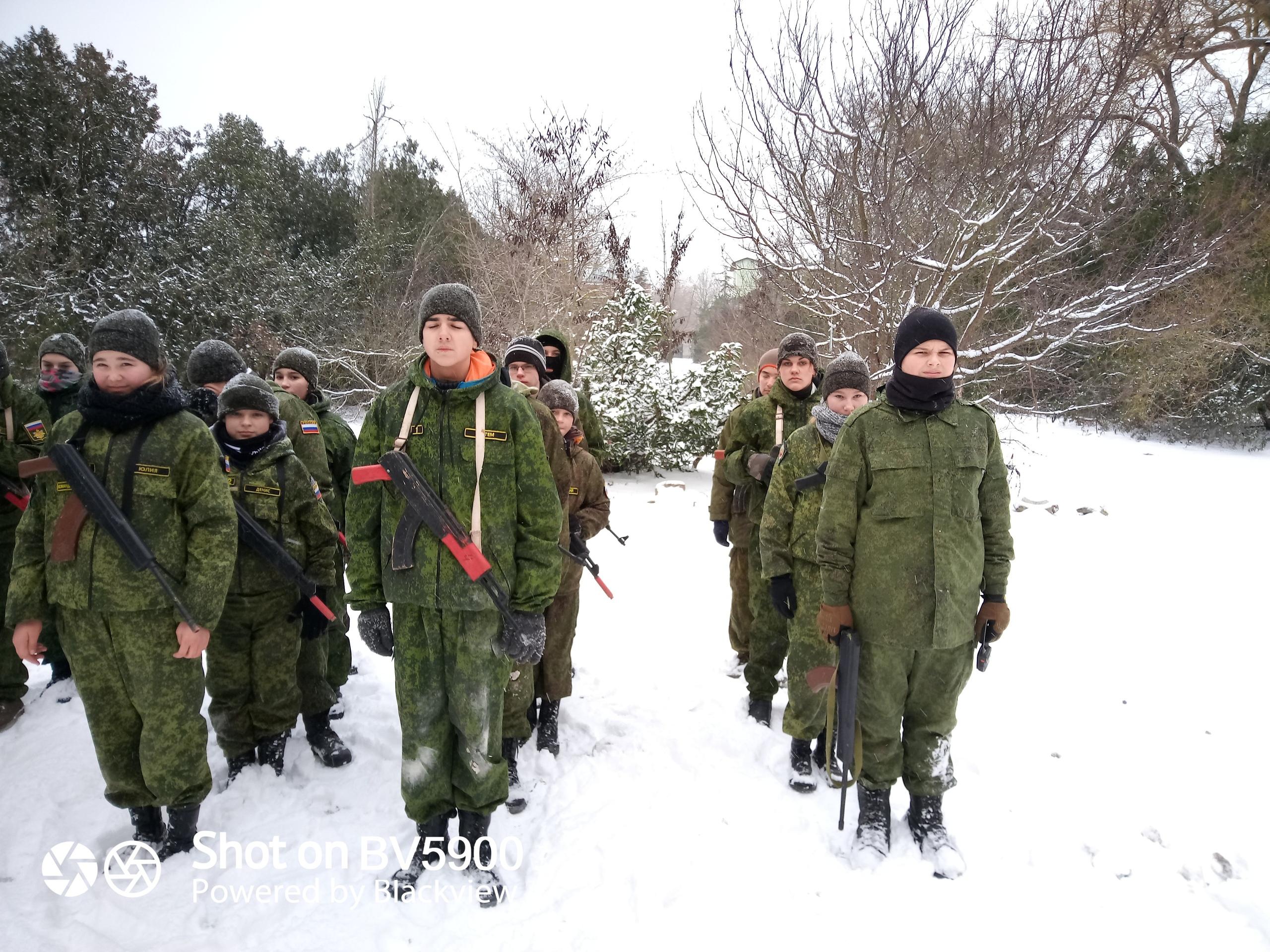 Мілітаризація Криму: в Євпаторії окупанти організували зимовий військовий табір для дітей. ФОТО