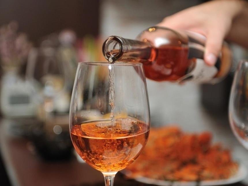 Нарколог назвал лечебную дозу алкогольных напитков