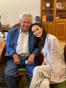 """Внучка Фокіна: """"Я довго мовчала!. Але, це вже перейшло ВСІ межі.. Мій дідусь, людина скромна і він прийшов з миром!.."""""""