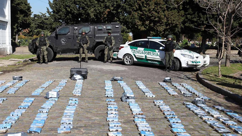 В Аргентине начали рассматривать дело о поставках кокаина дипломатами РФ: подробности