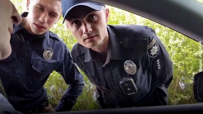 Полиция остановила без причины: как должен действовать водитель