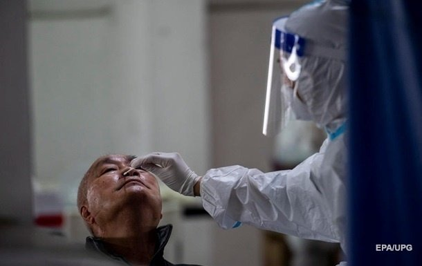 В Китае зафиксирован рекорд по приросту заболеваемости коронавирусом