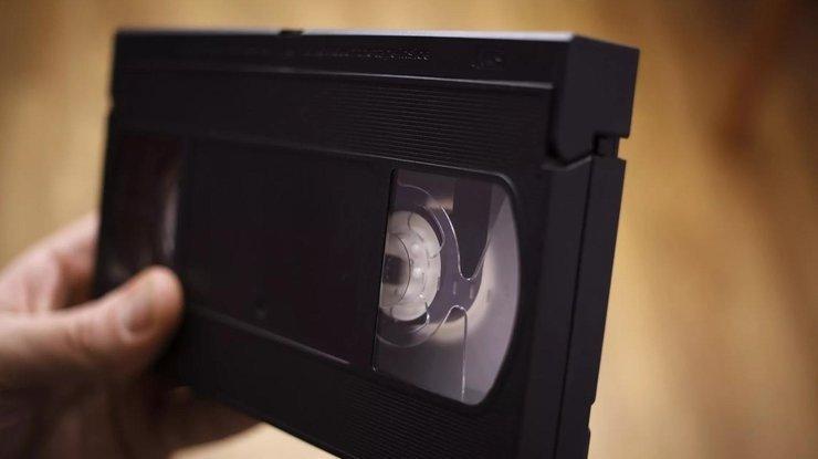 Американку 20 лет преследовали за невозвращенную кассету