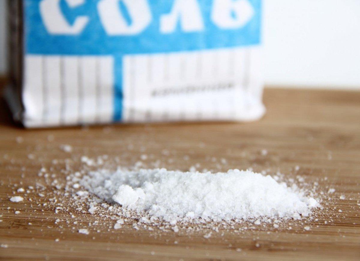 Как использовать в быту соль, кроме приготовления пищи